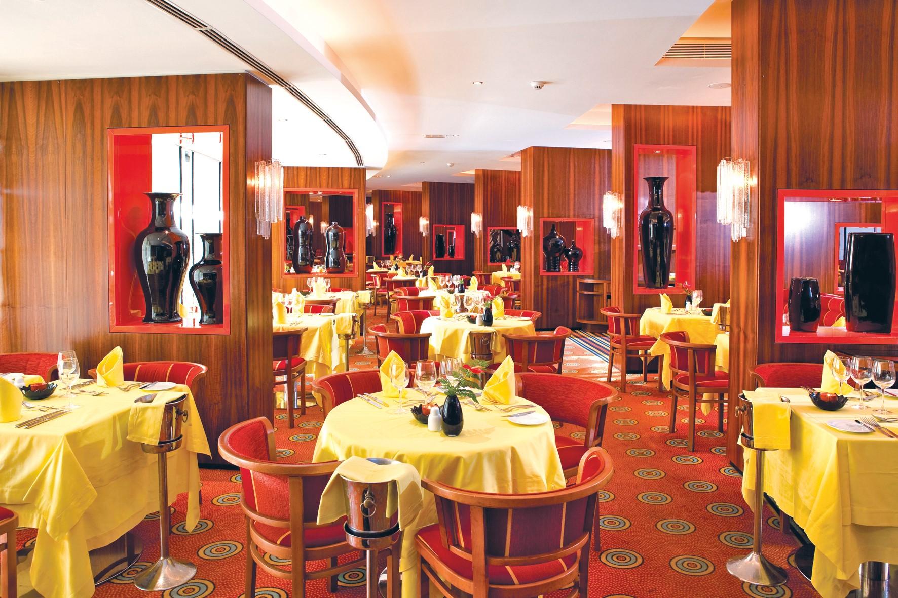 Luxe en elegantie in jaren 70 stijl seaside palm beach op for Design hotel gran canaria
